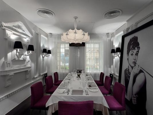 乌克兰现代化餐厅装修设计