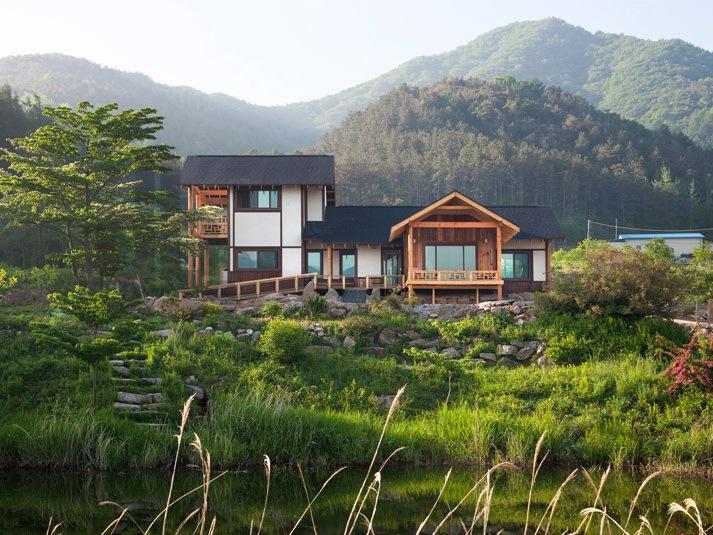 Studio_Gaon设计的韩国山林中的房屋