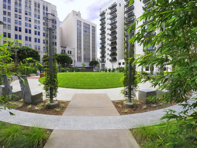 洛杉矶中心停车场改建为公园绿地