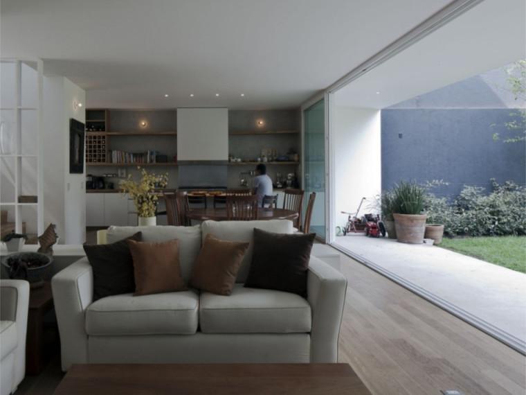 墨西哥带庭院现代住宅
