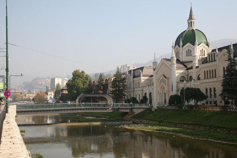 萨拉热窝和波黑FestinaLente大桥-萨拉热窝和波黑FestinaLente大桥第3张图片