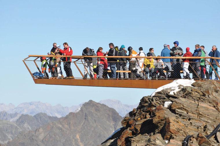 Tyrol冰川顶峰Stubai站在高处甲板-Tyrol冰川顶峰Stubai第4张图片