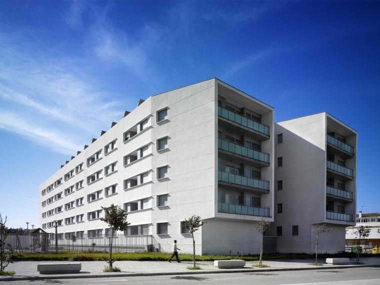 雷亚尔港的可持续住宅