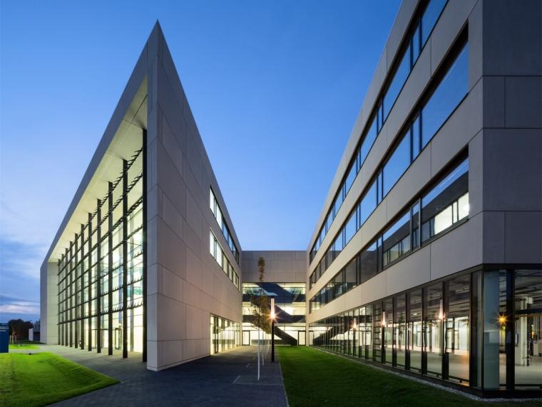 德国太阳能光电板及再生能源中心