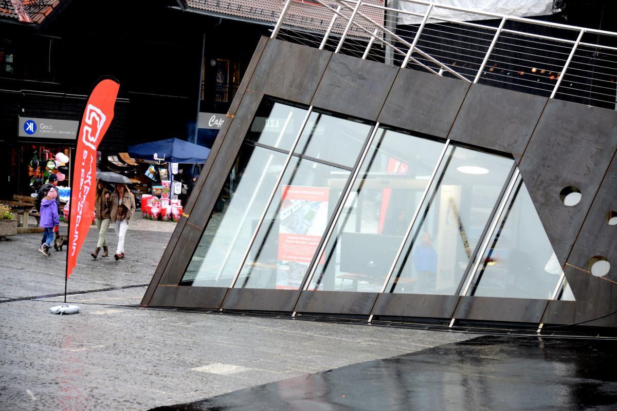 耶卢步行街和露天剧场-2
