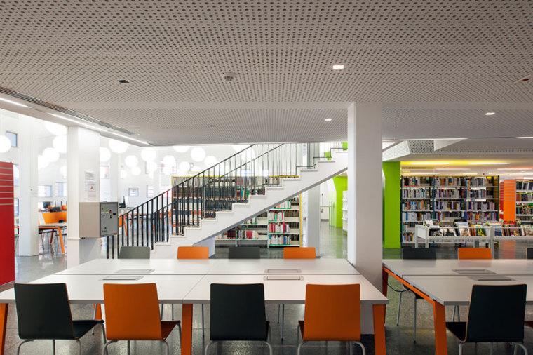 圭亚那大学图书馆内部细节图-圭亚那大学图书馆第6张图片