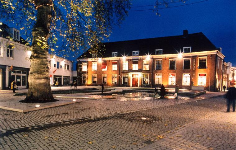 荷兰Gouvernementsplein广场夜景-荷兰Gouvernementsplein广场第4张图片