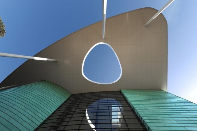 索尔维商学院外部局部图-索尔维商学院第2张图片