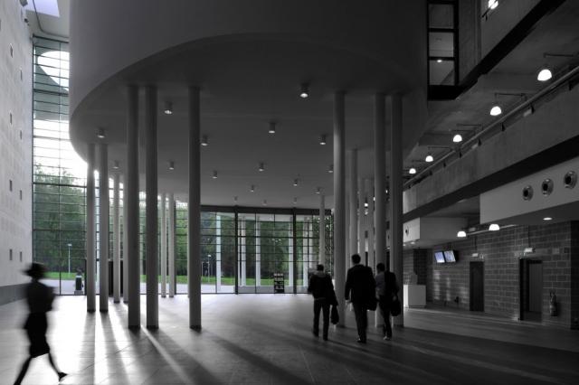 索尔维商学院内部大厅图-索尔维商学院第5张图片