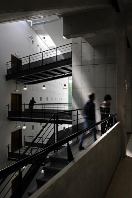 索尔维商学院内部楼梯图-索尔维商学院第6张图片