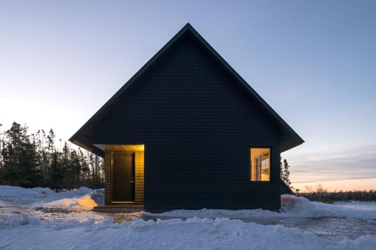黑色三角墙住宅-黑色三角墙住宅第10张图片