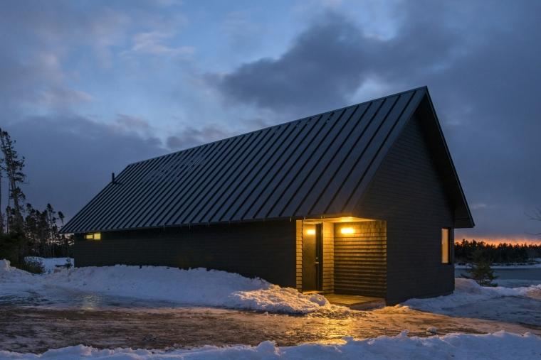 黑色三角墙住宅-黑色三角墙住宅第11张图片