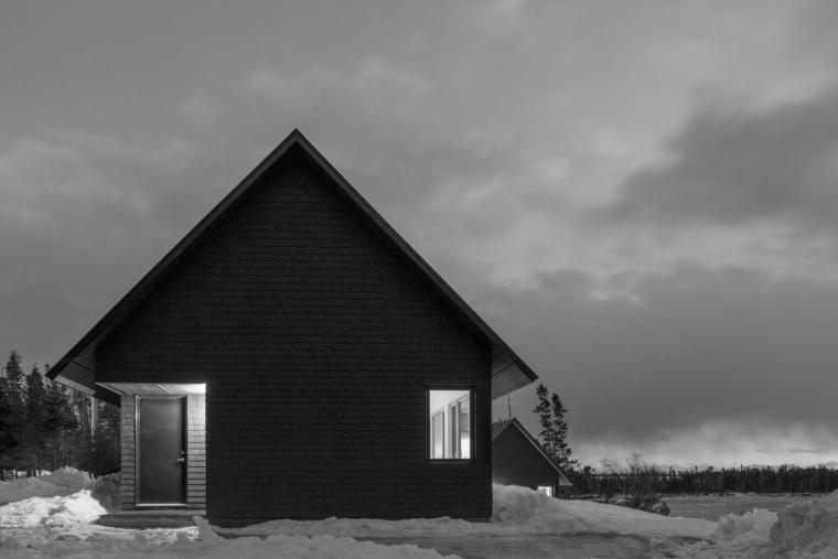 黑色三角墙住宅-黑色三角墙住宅第12张图片