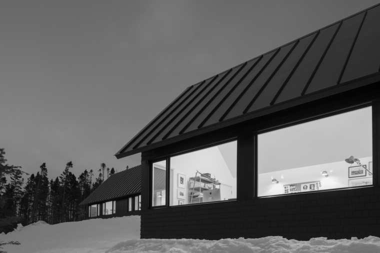 黑色三角墙住宅-黑色三角墙住宅第16张图片