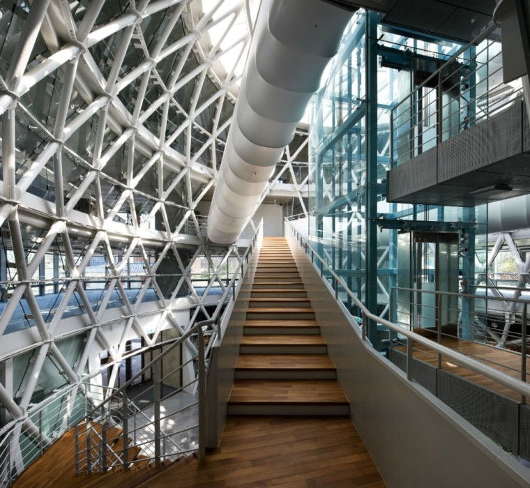 首尔峨山政策研究院内部楼梯图-首尔峨山政策研究院第5张图片