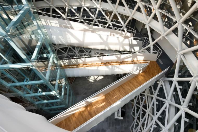 首尔峨山政策研究院内部楼梯图-首尔峨山政策研究院第6张图片