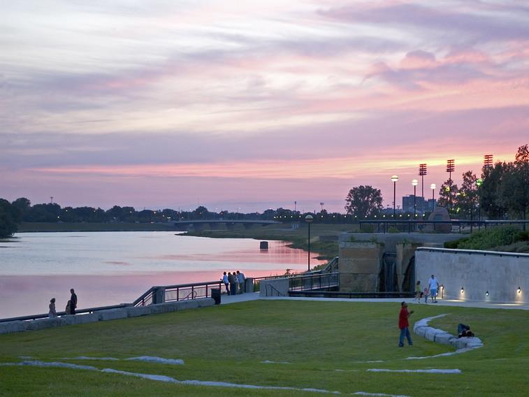 中央滨河区改造项目