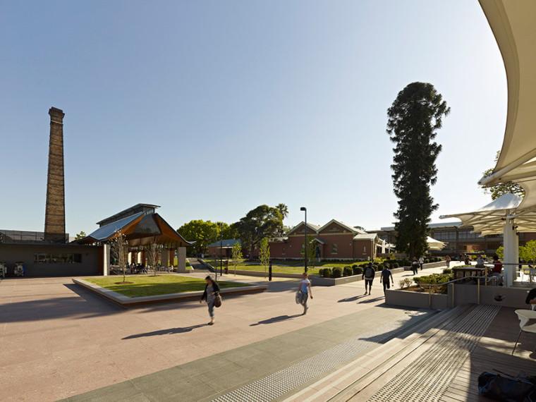 澳大利亚悉尼西部大学