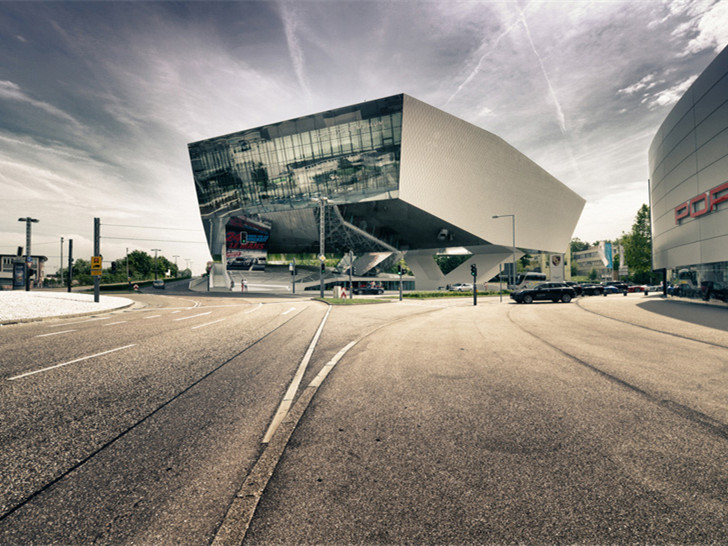 ibm斯图加特总部大楼资料下载-德国保时捷博物馆