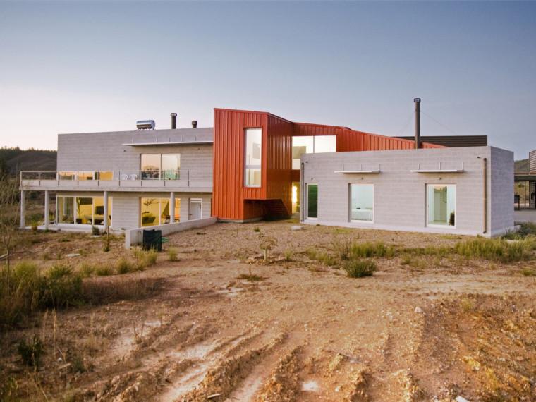 葡萄牙布朗库堡住宅兼工作室