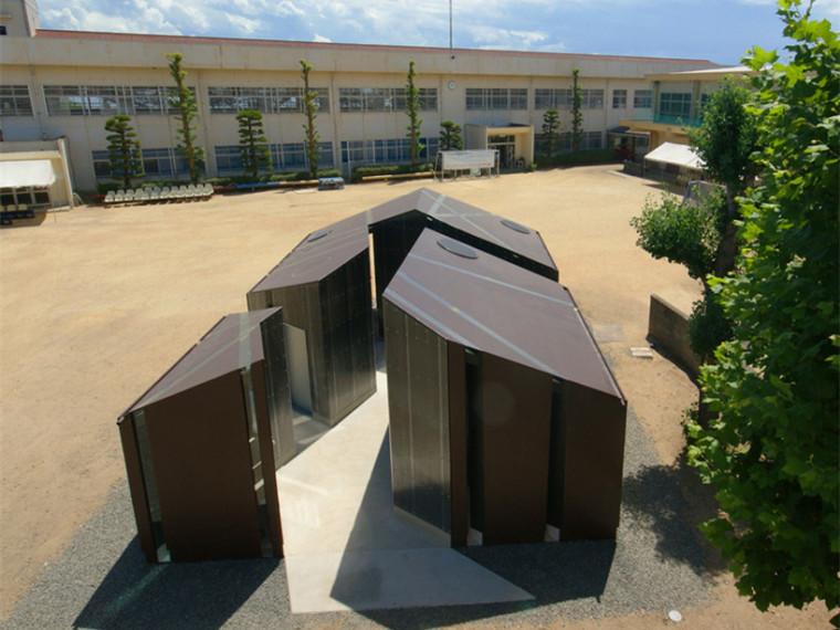 Isemachi公共厕所资料下载-日本切割手法的公共厕所