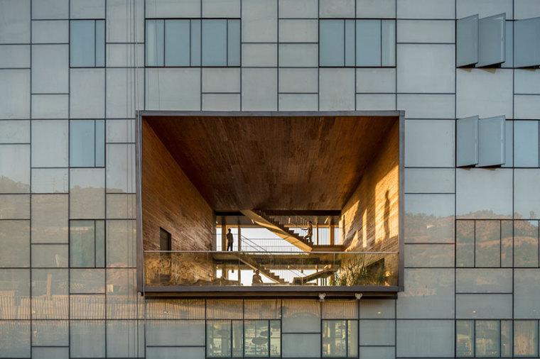 智利UDP经济学院校园总体规划外部-智利UDP经济学院校园总体规划第6张图片