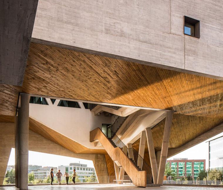 智利UDP经济学院校园总体规划外部-智利UDP经济学院校园总体规划第8张图片