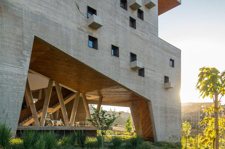 智利UDP经济学院校园总体规划外部-智利UDP经济学院校园总体规划第5张图片