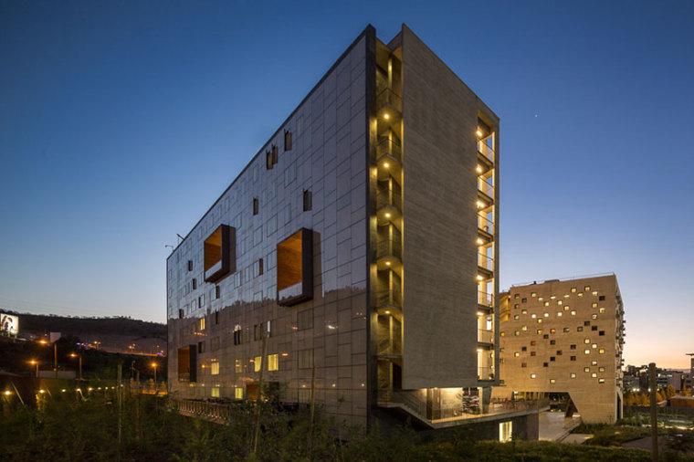 智利UDP经济学院校园总体规划外部-智利UDP经济学院校园总体规划第14张图片