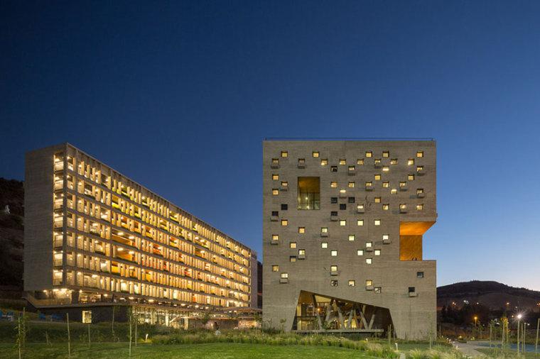 智利UDP经济学院校园总体规划外部-智利UDP经济学院校园总体规划第15张图片