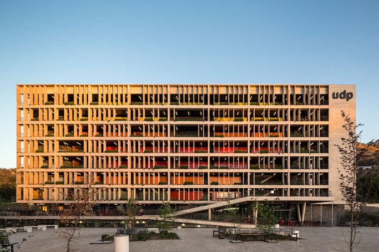 智利UDP经济学院校园总体规划外部-智利UDP经济学院校园总体规划第12张图片