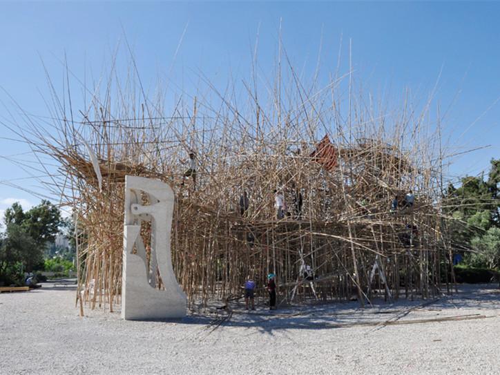 耶路撒冷的纪念性竹雕塑