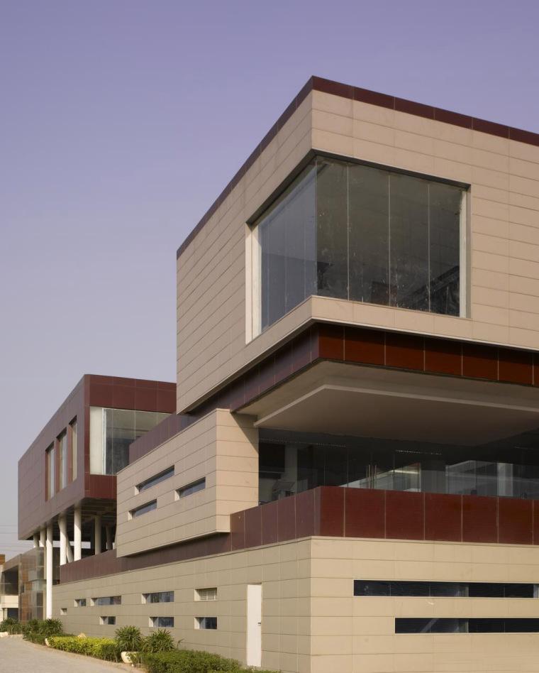 印度Glycols公司总部大楼外部实景-印度Glycols公司总部大楼第3张图片