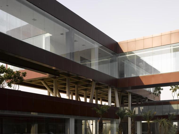 印度Glycols公司总部大楼外部侧面-印度Glycols公司总部大楼第7张图片