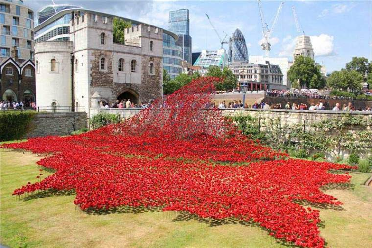 英国伦敦塔的红色罂粟花海外部局-英国伦敦塔的红色罂粟花海第6张图片