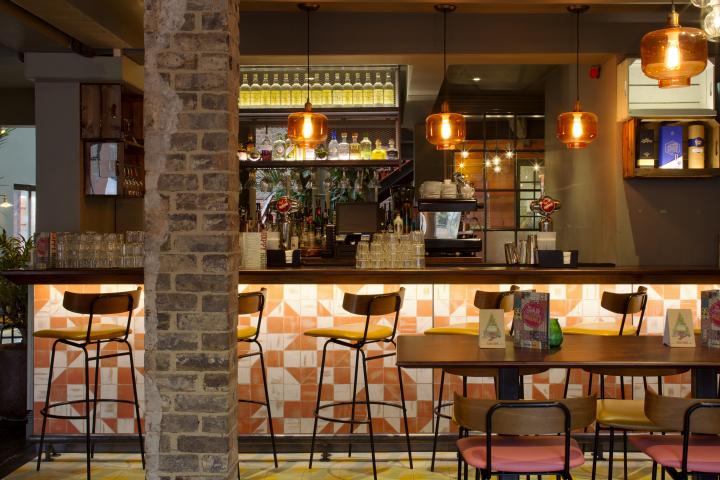英国德比LasIguanas餐厅-英国德比Las Iguanas餐厅室内吧台-英国德比Las Iguanas餐厅第2张图片