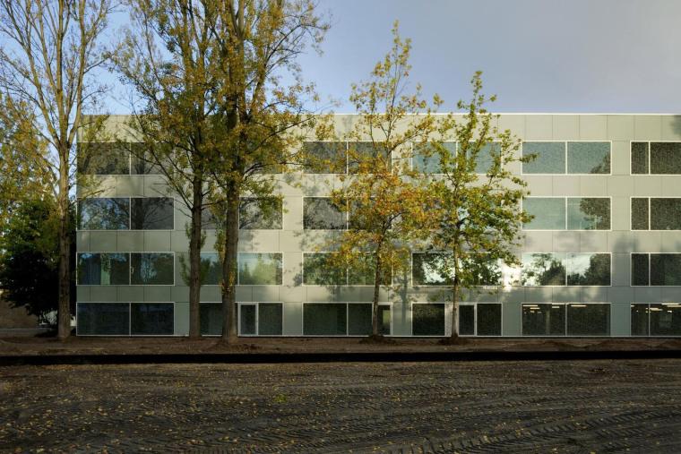 荷兰Hoogvliet校区外部实景图-荷兰Hoogvliet校区第2张图片