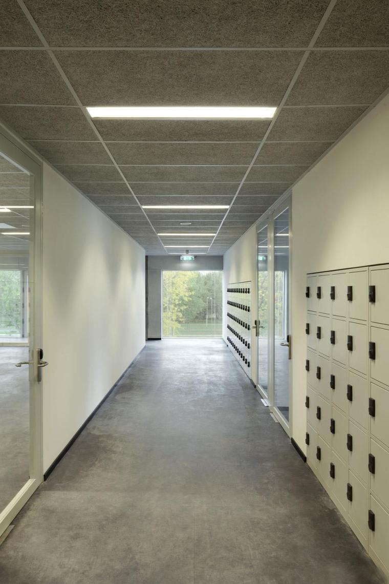 荷兰Hoogvliet校区内部过道实景图-荷兰Hoogvliet校区第4张图片