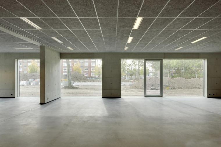 荷兰Hoogvliet校区内部过道实景图-荷兰Hoogvliet校区第16张图片