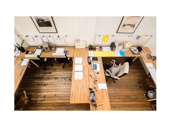 黑白相间国外工作室设计室内实景-黑白相间国外工作室设计第12张图片