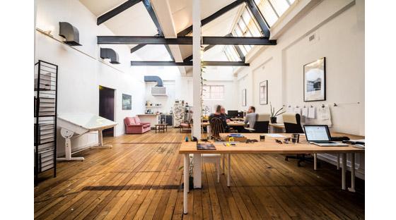 黑白相间国外工作室设计室内房间-黑白相间国外工作室设计第6张图片