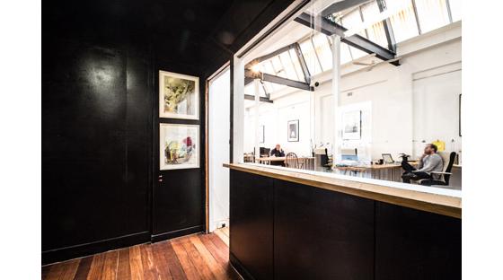 黑白相间国外工作室设计室内局部-黑白相间国外工作室设计第5张图片