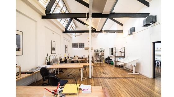黑白相间国外工作室设计室内局部-黑白相间国外工作室设计第9张图片