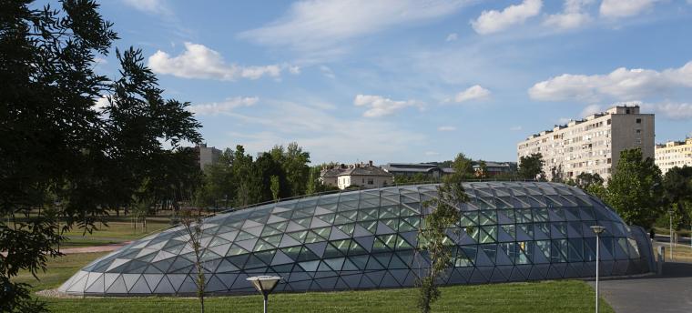 匈牙利M4地铁线Bikás公园站外部-匈牙利M4地铁线Bikás公园站第2张图片