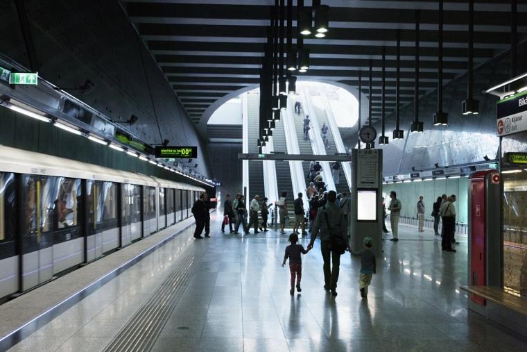 匈牙利M4地铁线Bikás公园站内部-匈牙利M4地铁线Bikás公园站第5张图片