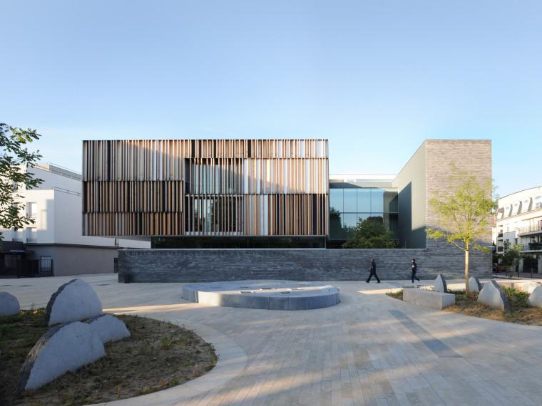 法国蒙特默伦西地区法院第1张图片