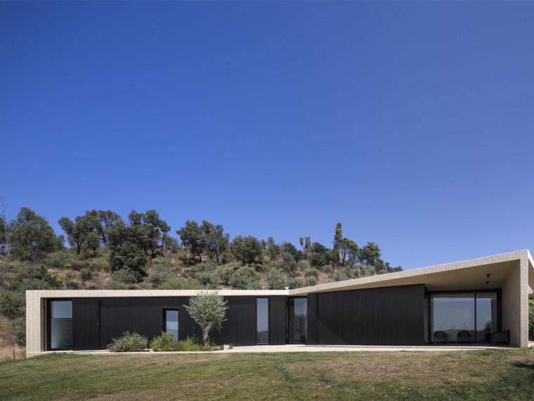 葡萄牙托马尔山顶别墅第1张图片
