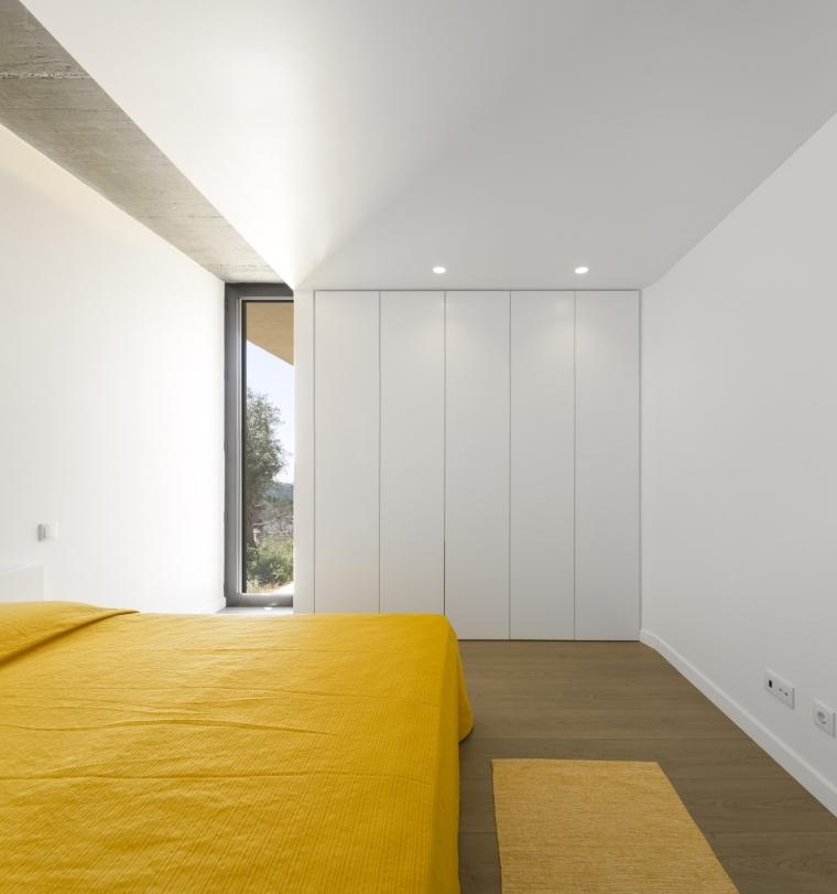 葡萄牙托马尔山顶别墅内部卧室实-葡萄牙托马尔山顶别墅第15张图片