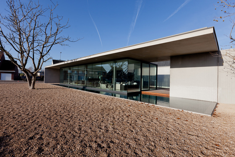 比利时Obumex家具展览室外部实景-比利时Obumex家具展览室第2张图片