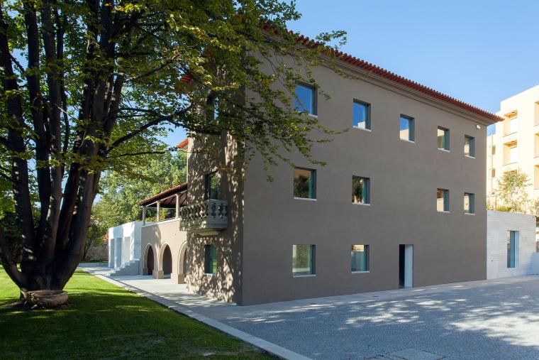 葡萄牙Luz社会福利中心外部实景图-葡萄牙Luz社会福利中心第2张图片